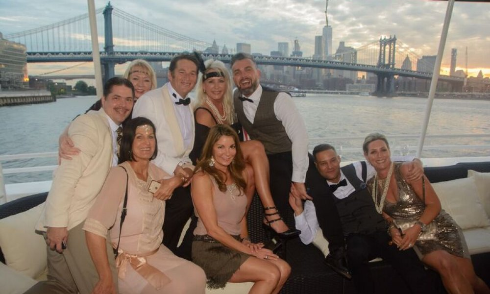 Spirit Cruises, Cruise, NYC, New York City, New York, DMC, Destination Management, Event, Event Planning, Champagne